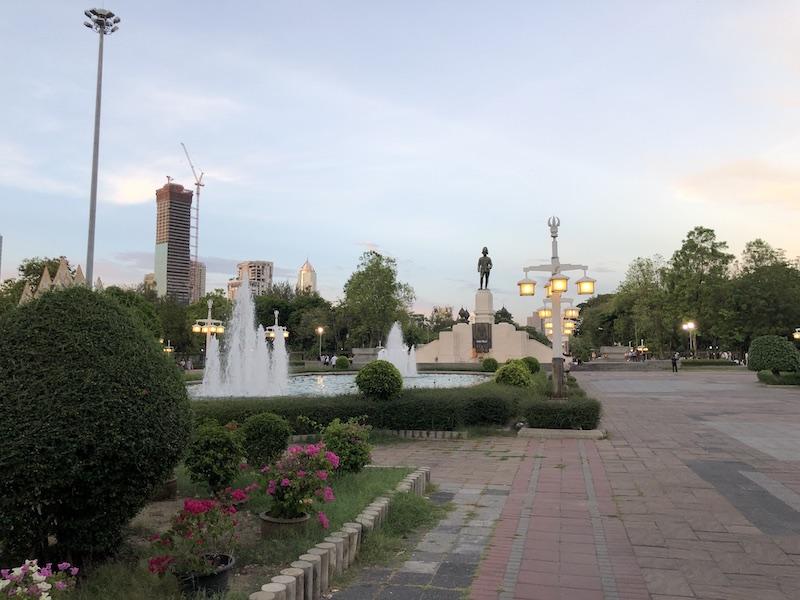 ルンピニ公園_02